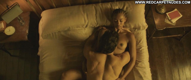 Berta Vazquez Palmeras En La Nieve Bed Breasts Celebrity Big Tits
