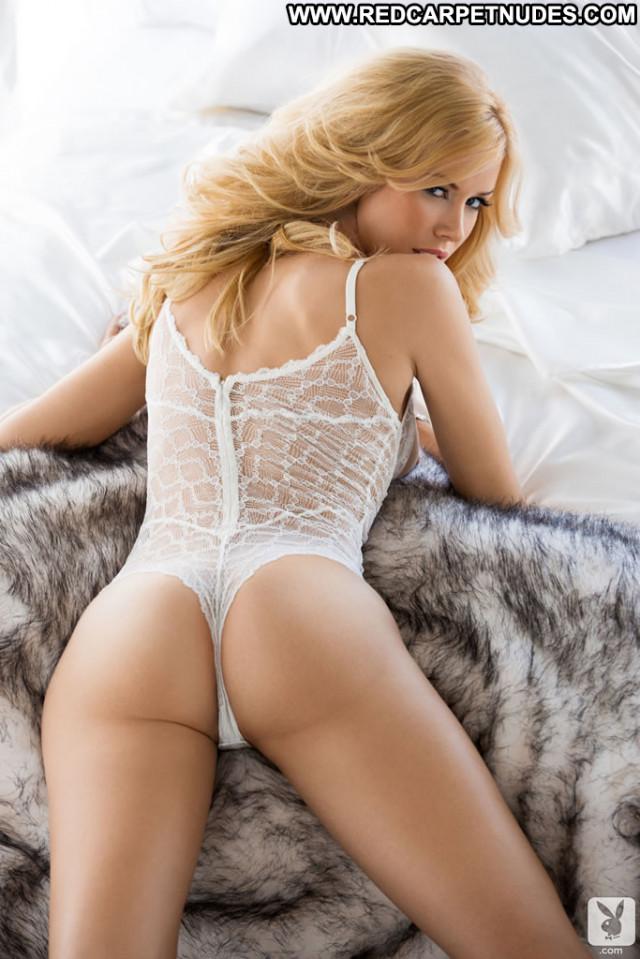 Celebrities Nude Celebrities  Sexy Famous Hot Celebrity Posing Hot