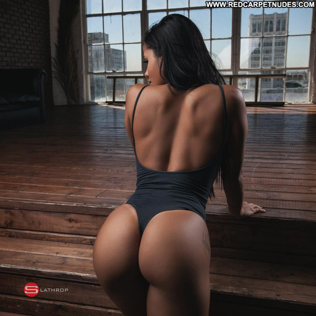Flawless No Source Posing Hot Fitness Booty Babe Famous Beautiful