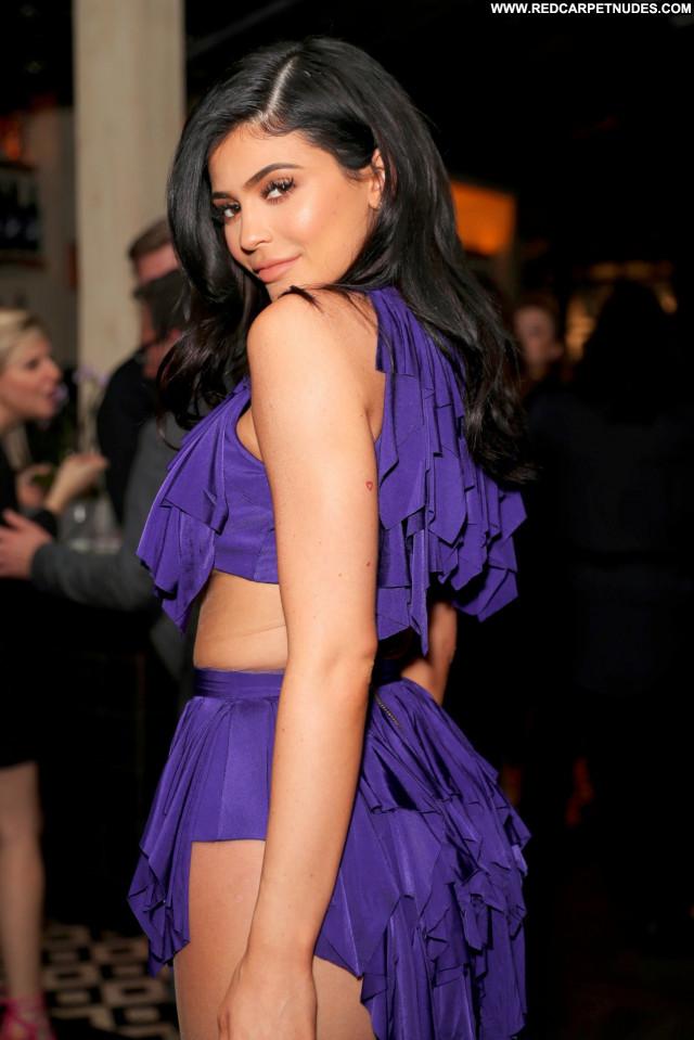 Kylie Jenner The Beach Celebrity Sex Model Reality Photoshoot Bra