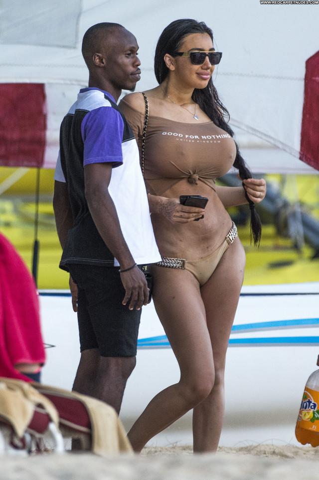 Chloe Khan The Beach  Posing Hot Big Tits Bus American Sex Celebrity