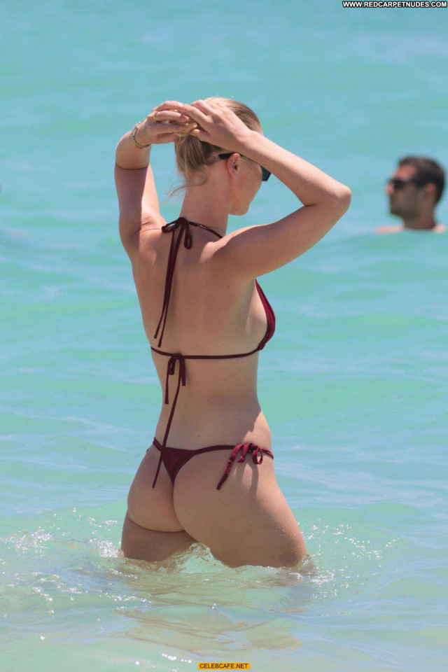 Bianca Elouise The Beach Babe Sex Sexy Ass Celebrity Beautiful Posing