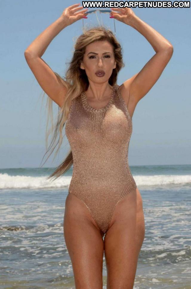 Photos Malibu Beach Mali Swimsuit Celebrity Photoshoot Malibu Bra