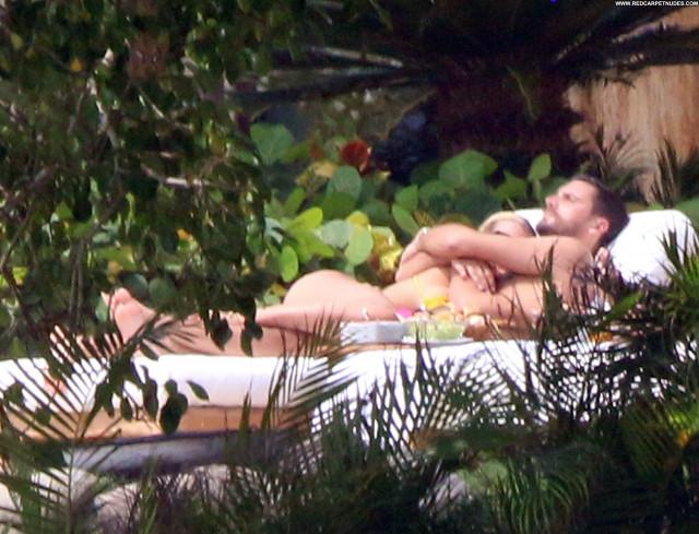 Blanca Padilla No Source Babe Xxx Mali Bar American Celebrity Dad