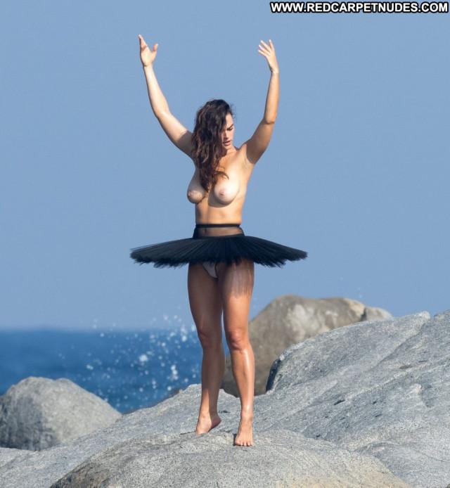 Bakhar Nabieva Sports Illustrated Swimsuit Toples Summer Celebrity