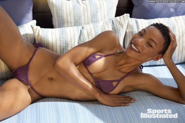 Natalie Jayne Roser Sports Illustrated Swimsuit  Babe Busty Celebrity