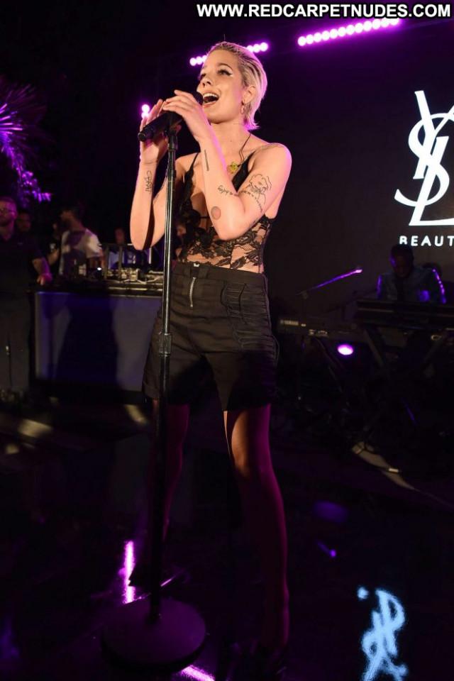 Halsey Palm Springs Paparazzi Beautiful Celebrity Posing Hot Babe