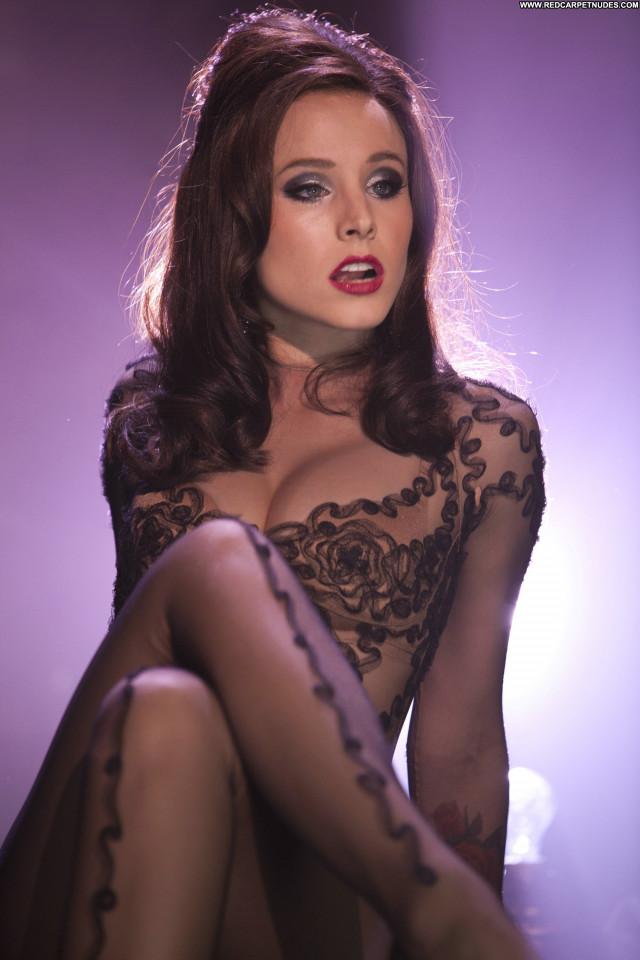 Natalie Jayne Roser No Source Winter Babe Beautiful Celebrity Wet