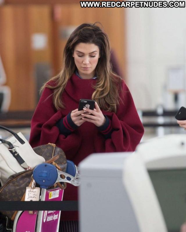 Delta Goodrem No Source Posing Hot Celebrity Babe Paparazzi Beautiful