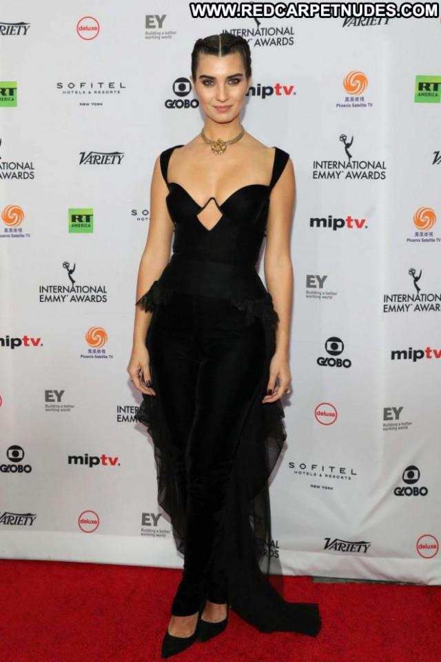 Tuba Buyukustun Emmy Awards Celebrity Posing Hot Babe International