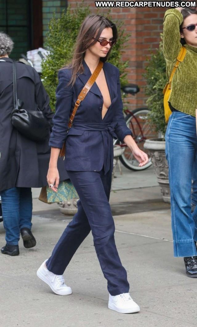 Emily Ratajkowski No Source Beautiful Celebrity Nyc Posing Hot Babe