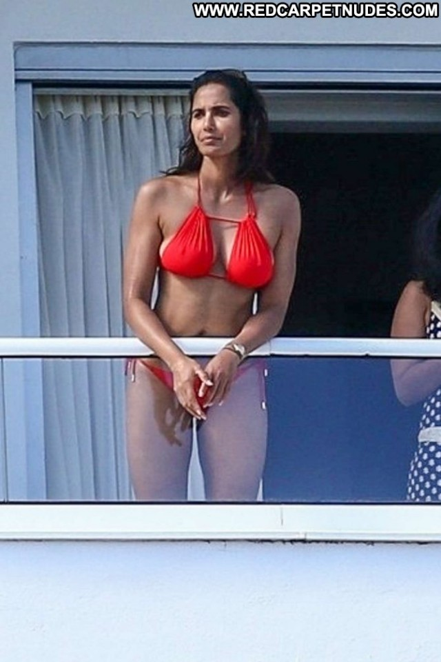 Padma Lakshmi No Source Balcony Babe Hotel Celebrity Hot Bikini
