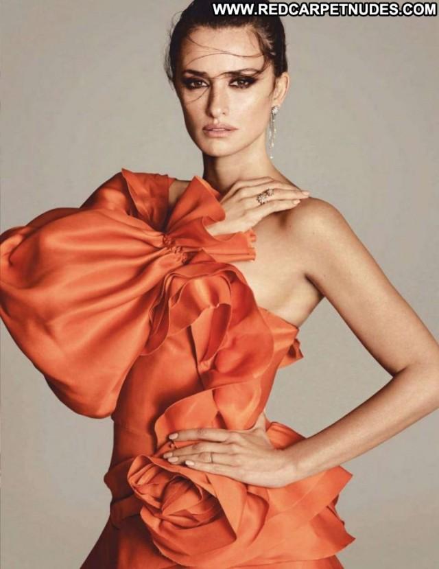 Penelope Cruz Vogue Magazine Paparazzi Celebrity Beautiful Magazine
