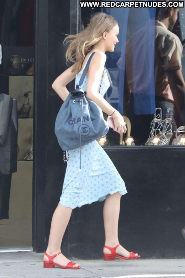 Lily Rose Depp Golden Age Celebrity Paparazzi Babe Shopping Posing