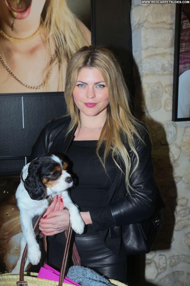 Zoe Kravitz No Source Celebrity Beautiful Paparazzi Magazine Babe