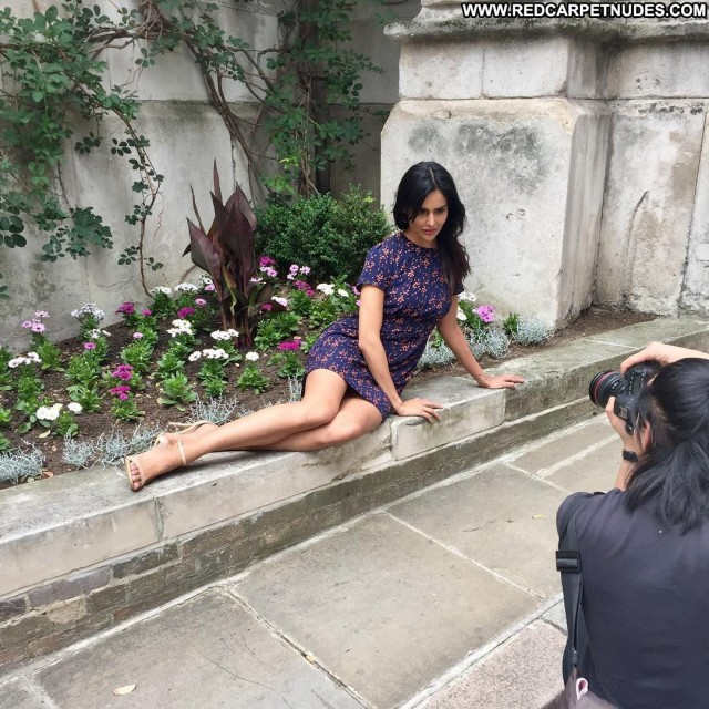 Nathalia Kaur The King Bar Actress Famous Office Sex India Celebrity