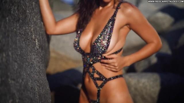 Myla Dalbesio Sports Illustrated Swimsuit Sport Celebrity Model