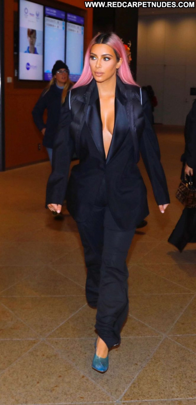 Kourtney Kardashia No Source Celebrity Posing Hot Beautiful Paparazzi