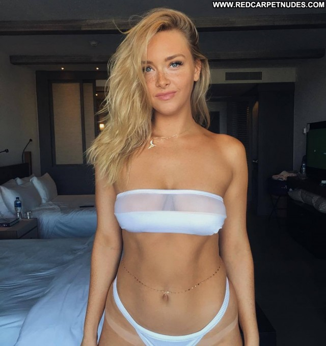 Samantha Hoopes Sports Illustrated Sexy Sport Celebrity Hot Indonesia