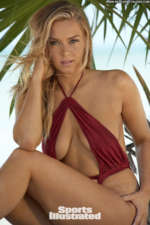 Samantha Hoopes Sports Illustrated Bikini Babe Sport Photoshoot Bar