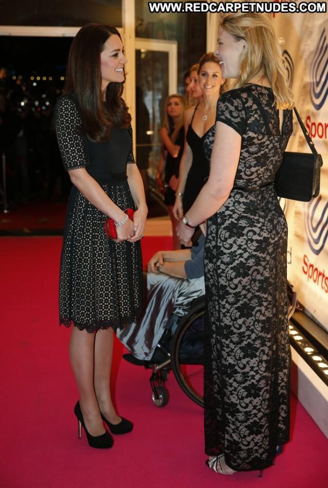 Kate Middleton High Resolution Beautiful Posing Hot Babe
