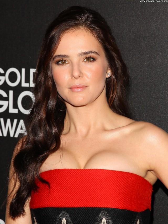 Zoey Deutch Golden Globe Awards Beautiful High Resolution Posing Hot