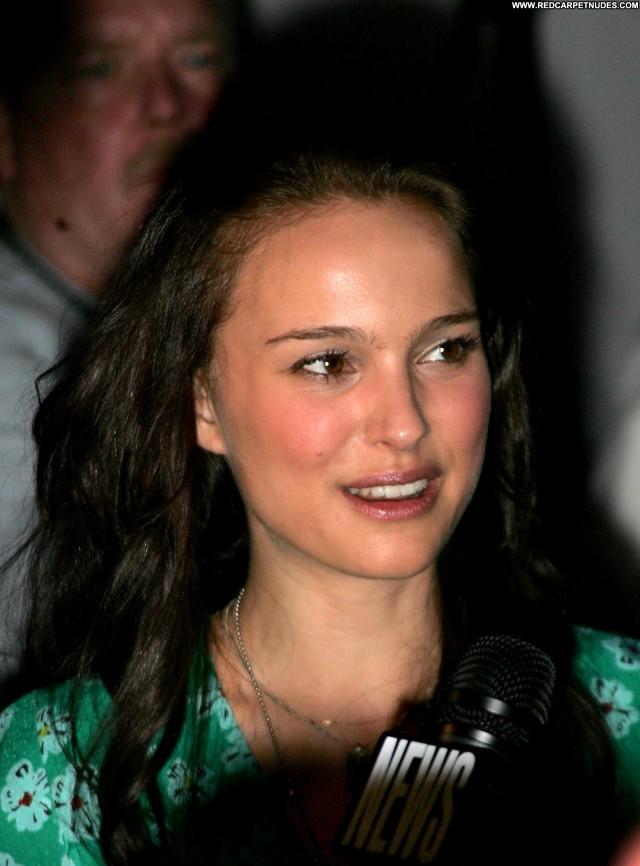 Natalie Portman Garden State Beautiful Celebrity Babe High Resolution