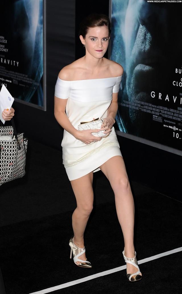 Emma Watson New York Babe Posing Hot High Resolution Celebrity