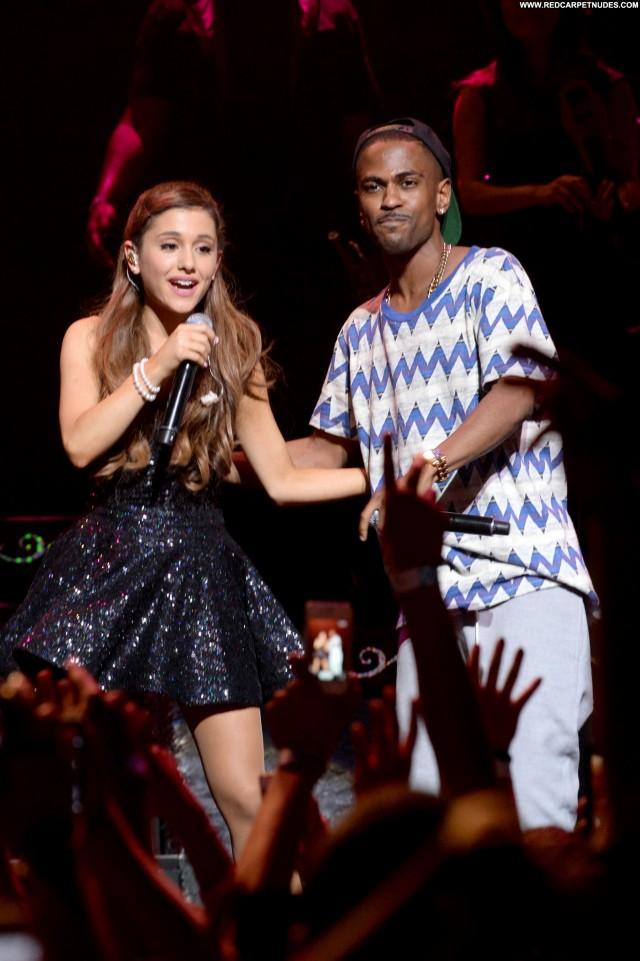 Ariana Grande Performance Celebrity Club Posing Hot Beautiful High