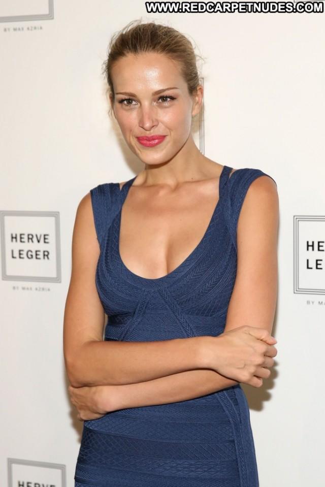 Petra Nemcova Fashion Show Posing Hot Babe Celebrity Nyc High
