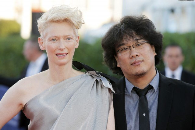 Tilda Swinton No Source Posing Hot Celebrity Beautiful American High