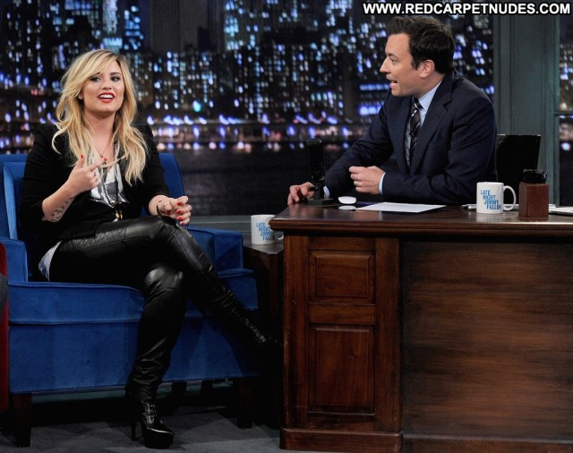 Demi Loavato Late Night With Jimmy Fallon Celebrity High Resolution