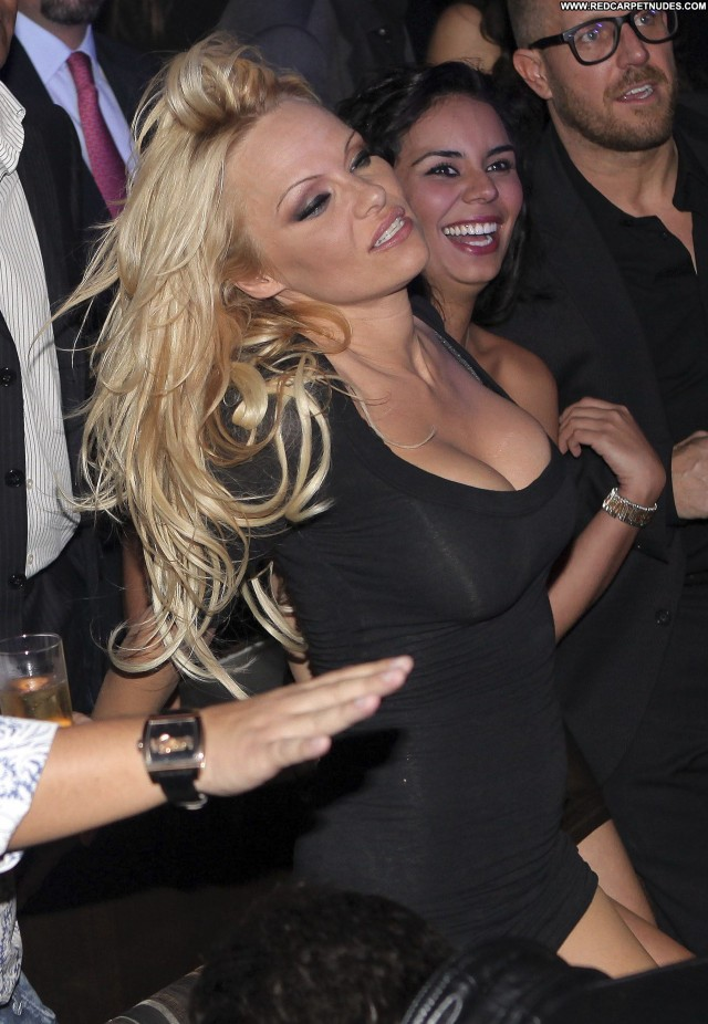 Pamela Anderson No Source Celebrity Beautiful Party Posing Hot Babe