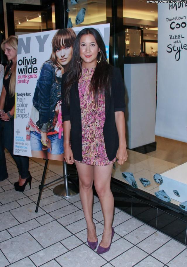 Vanessa Carlton Beverly Hills Beautiful Celebrity Denim Babe Posing