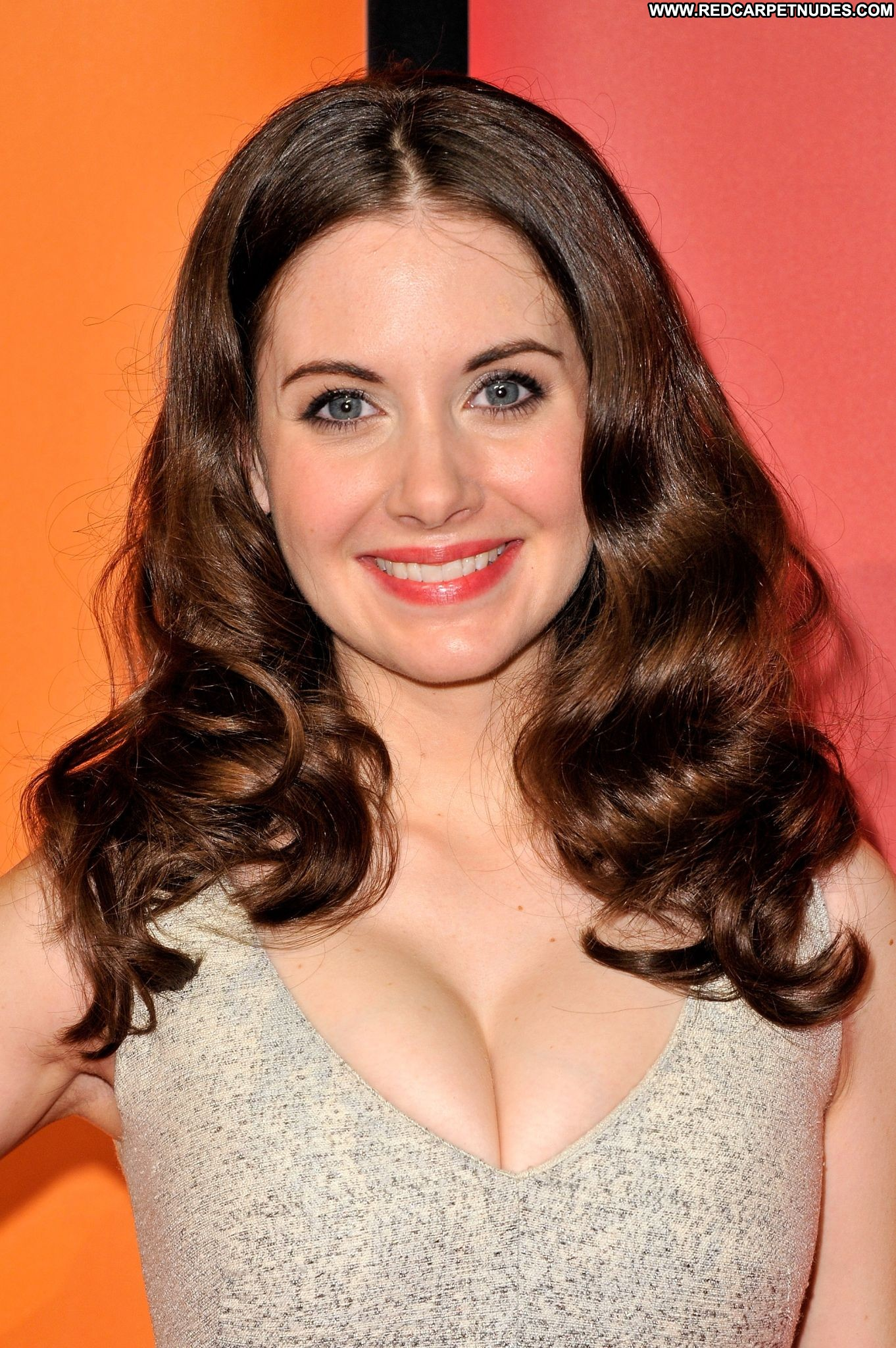 Alison Brie Nude Leaked and Hot Photos - Nude Celebs & Sex