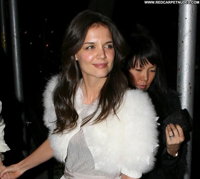 Katie Holmes No Source High Resolution Babe Posing Hot Restaurant