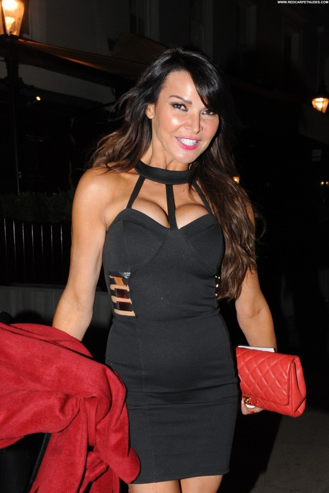 Lizzie Cundy No Source Posing Hot Celebrity High Resolution Beautiful