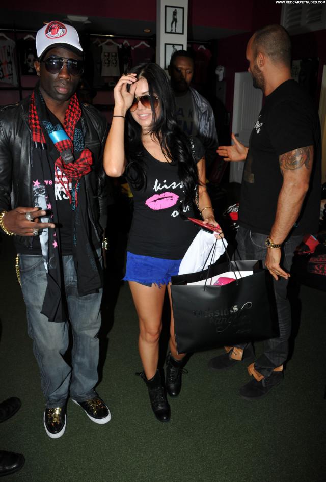 Kim Kardashian Los Angeles Celebrity Shopping Posing Hot Beautiful