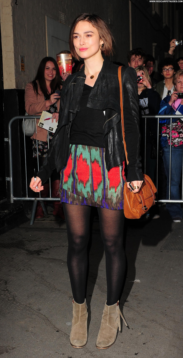 Keira Knightley The Comedy Posing Hot London Celebrity Beautiful Babe