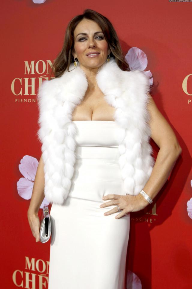Elizabeth Hurley Elizabeth Celebrity High Resolution Beautiful Posing