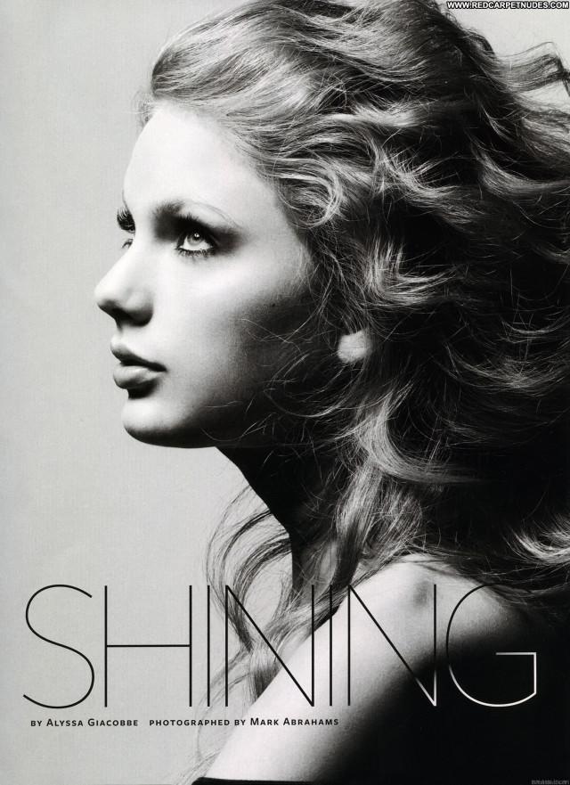 Taylor Swift Magazine Magazine Babe Posing Hot Beautiful Celebrity