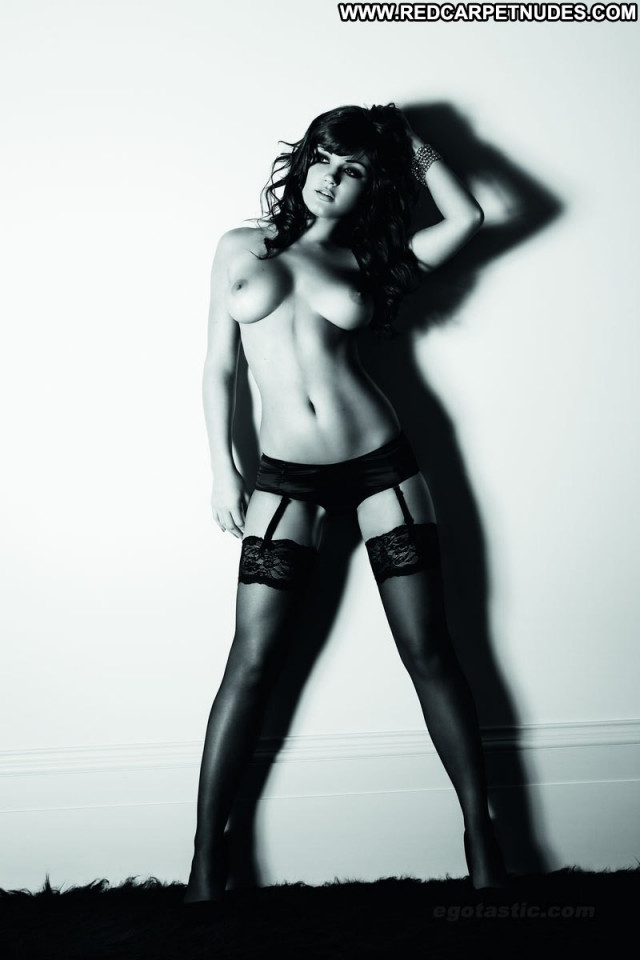 India Reynolds Black And White India Celebrity Hot Uk Photoshoot