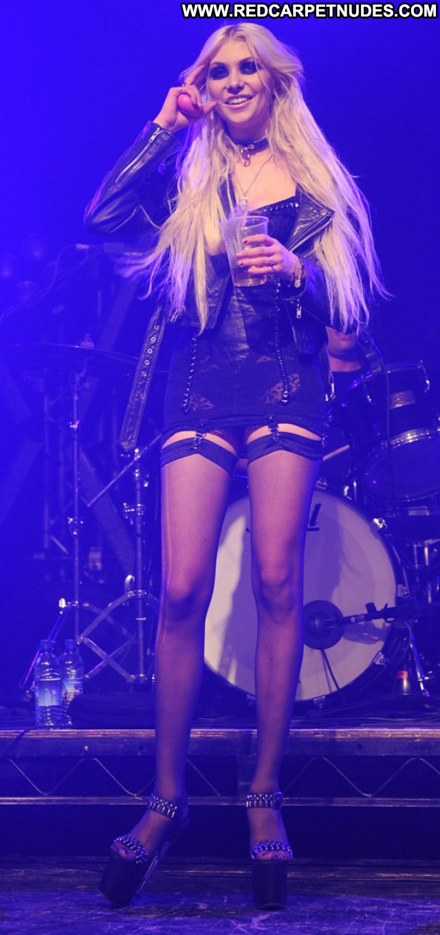 Taylor Momsen No Source Celebrity Usa Sexy Babe Lingerie Posing Hot