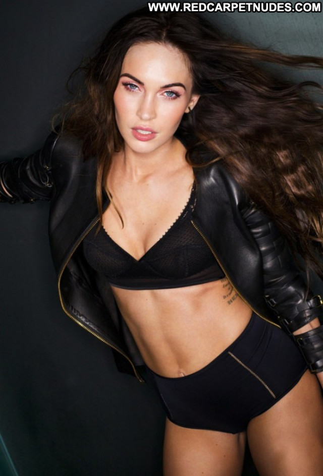 Megan Fox Esquire Magazine Magazine Beautiful Celebrity Usa Posing