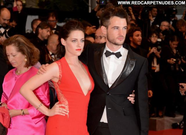 Kristen Stewart No Source Celebrity Usa Posing Hot Braless Sideboob