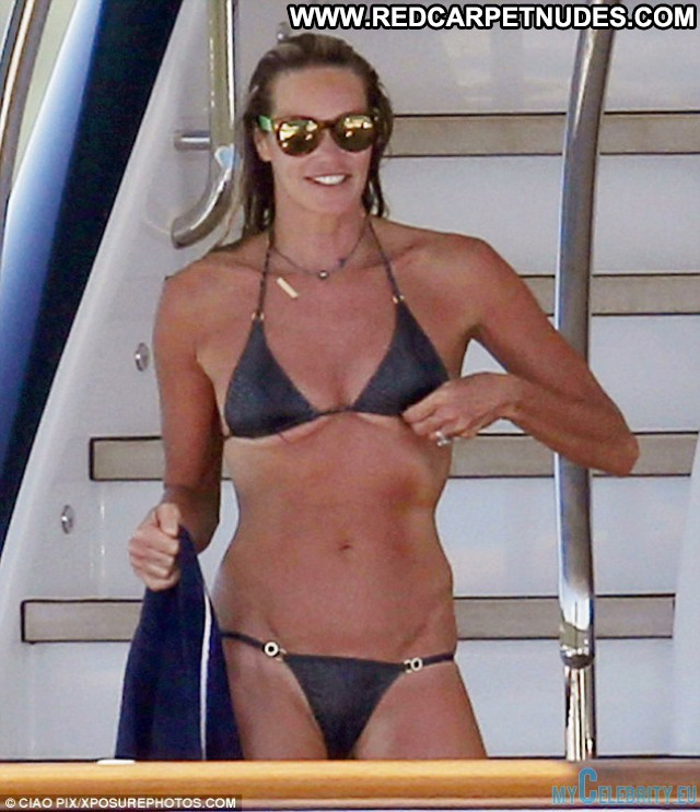 Elle Macpherson No Source Beautiful Babe Celebrity Swimsuit Posing