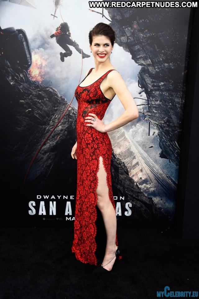 Alexandra Daddario San Andreas Hollywood Celebrity Posing Hot Babe