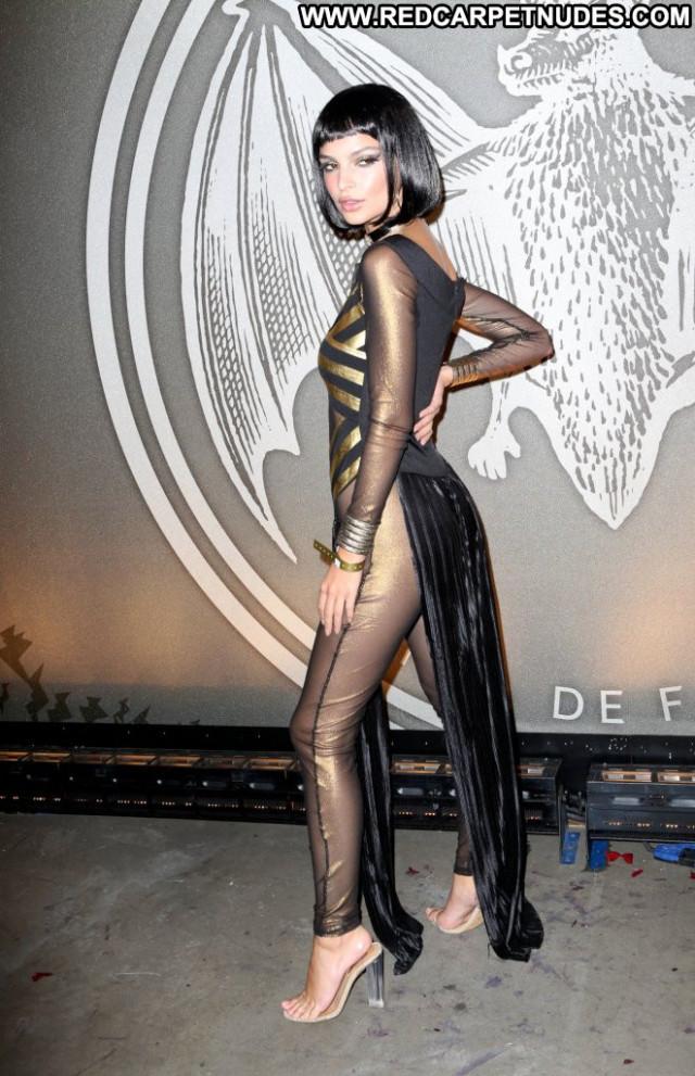 Emily Ratajkowski Red Carpet Celebrity Beautiful Usa Halloween Babe