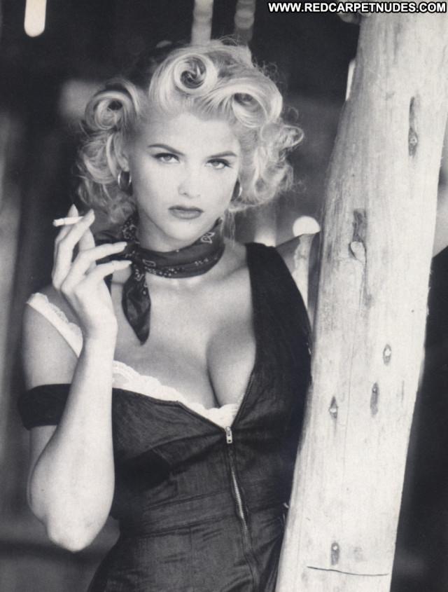 Anna Nicole Smith No Source Posing Hot Celebrity Babe Beautiful