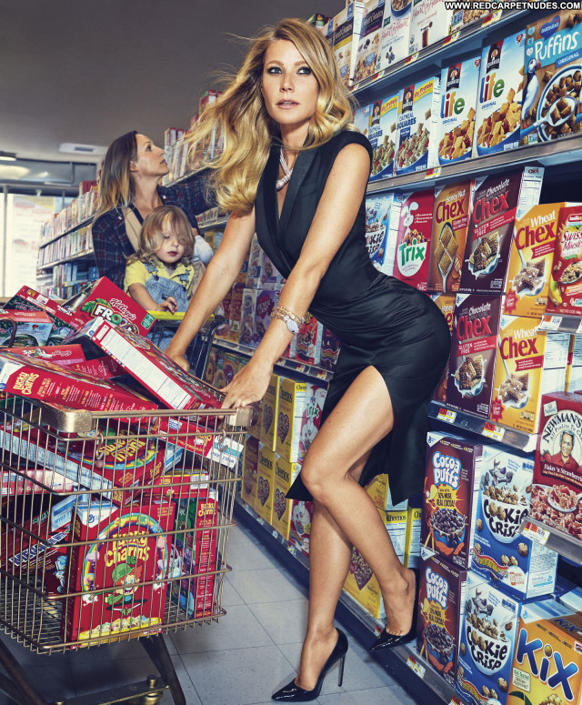 Gwyneth Paltrow Celebrity Posing Hot Photoshoot Beautiful Babe